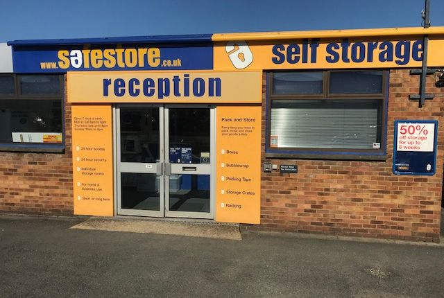 Thumbnail Office to let in Safestore Self Storage, Bilton Road, Bletchley, Milton Keynes