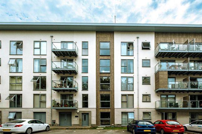 Thumbnail Flat to rent in Wallingford Way, Maidenhead