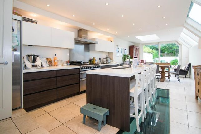 Thumbnail Property to rent in Stokenchurch Street, London