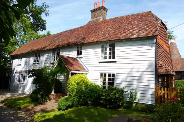 Thumbnail Detached house for sale in Boars Head, Crowborough