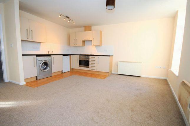 Flat to rent in Cobham Mews, West Street, Buckingham