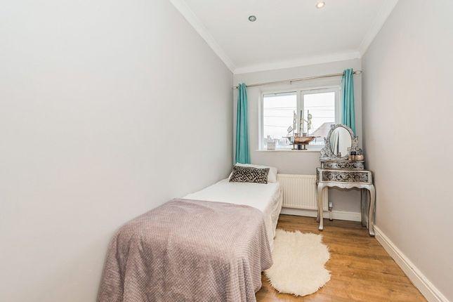 Thumbnail Room to rent in Buckhurst Avenue, Carshalton