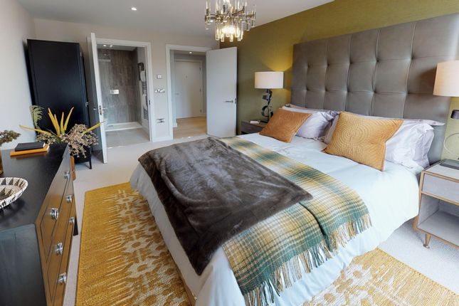 3 bedroom flat for sale in New Retort House, Brandon Yard, Lime Kiln Road, Bristol