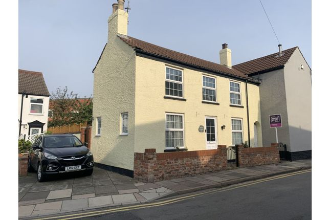 Thumbnail Semi-detached house for sale in 52 Humber Street, Cleethorpes