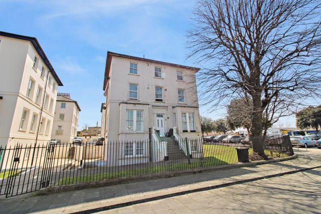2 bed flat to rent in Lansdowne Square, Northfleet, Gravesend, Kent DA11