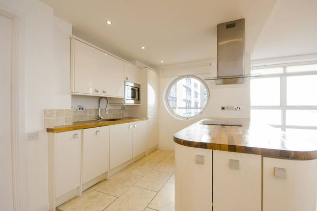 Thumbnail Flat to rent in Anchorage Point, Canary Wharf