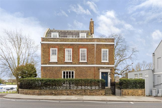 Detached house to rent in Thames Street, Hampton, Middlesex