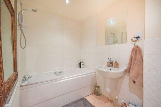 Bathroom of Papermill Wynd, Edinburgh EH7