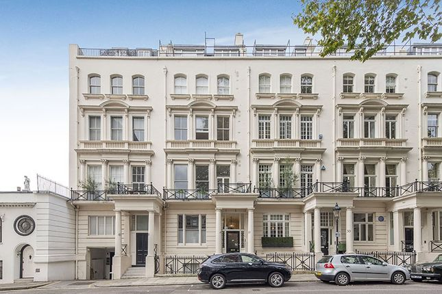 2 bed flat for sale in Rutland Gate, London