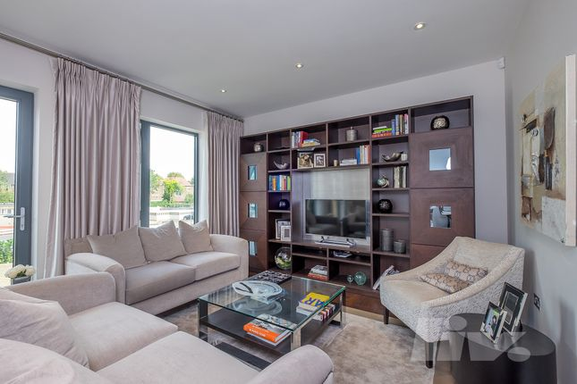 Thumbnail Town house for sale in The Crescent, Gunnersbury Mews, Chiswick