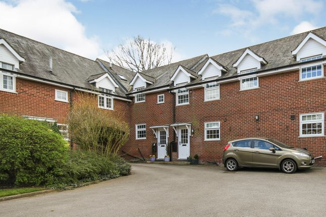2 bed flat for sale in Mowsley Road, Husbands Bosworth, Lutterworth LE17
