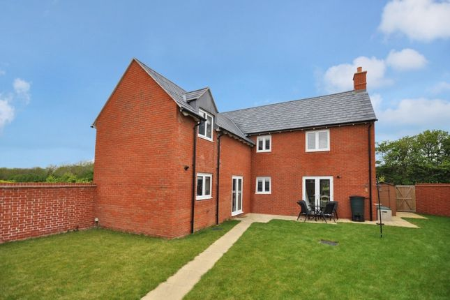 Thumbnail Property to rent in Kempton Close, Chesterton, Bicester