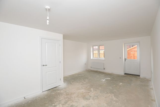 2 bedroom end terrace house for sale in Enderlie Close, Emsworth