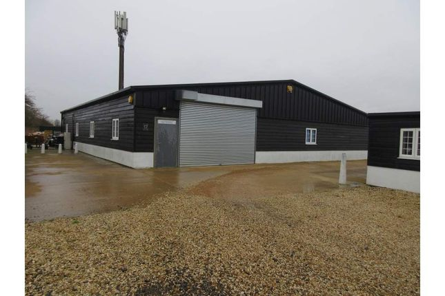 Thumbnail Light industrial to let in Unit 17 Vicarage Farm, Sunbury On Thames