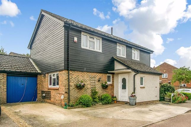 4 Bed Detached House For Sale In Clarice Way South