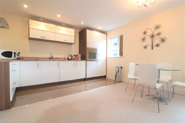 Thumbnail Flat to rent in Lynx Court, Wallis Square, Farnborough, Hampshire