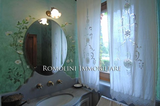 Trasimeno Lake Luxury Villa For Sale.