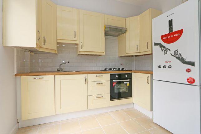 56 Stuart Road Kitchen 2 (2)