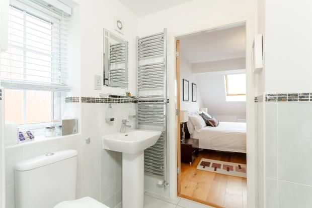 Beds 2/3 En Suite