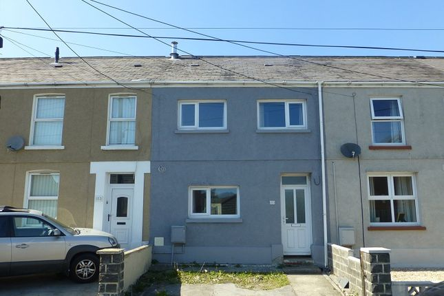 3 bed terraced house to rent in Penybanc Road, Ammanford, Carmarthenshire. SA18