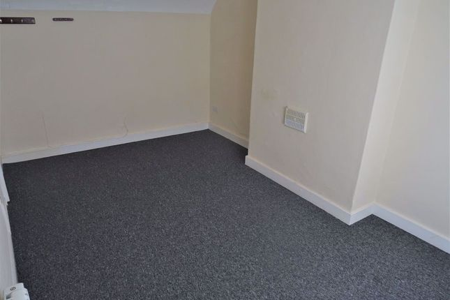 Thumbnail Flat to rent in High Street, Royal Wootton Bassett, Swindon