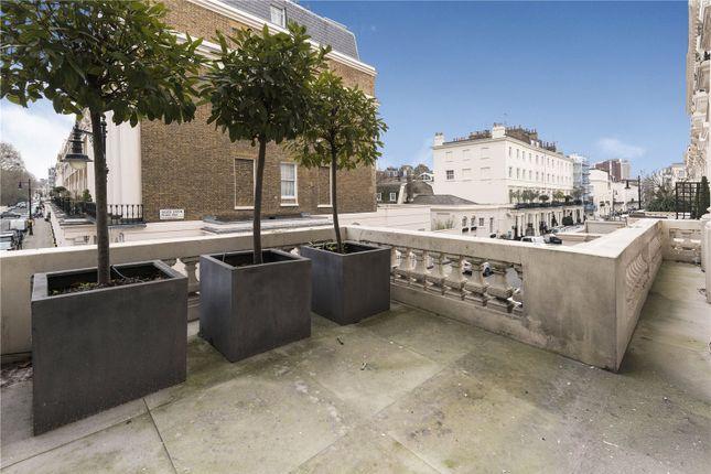 Picture No. 12 of Eaton Square, Belgravia, London SW1W