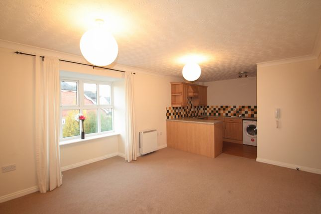 Thumbnail Flat to rent in 10 Alford Court, Harthill Close, Kingsmead, Northwich, Cheshire