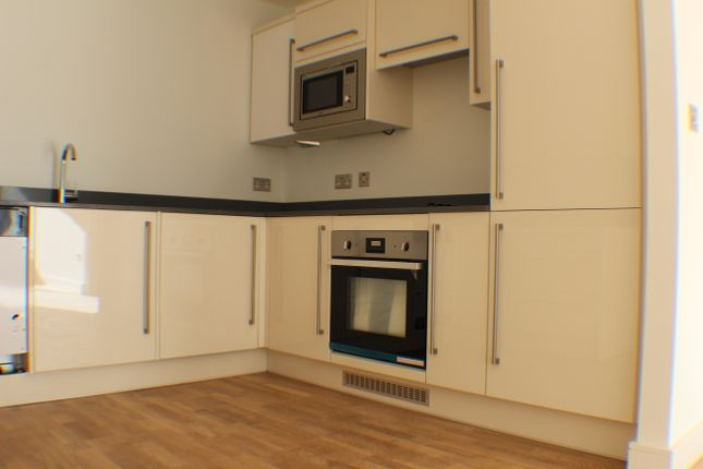 Thumbnail Flat to rent in Catteshall Lane, Godalming