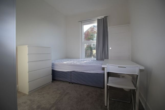 Thumbnail Property to rent in Telephone Road, Southsea