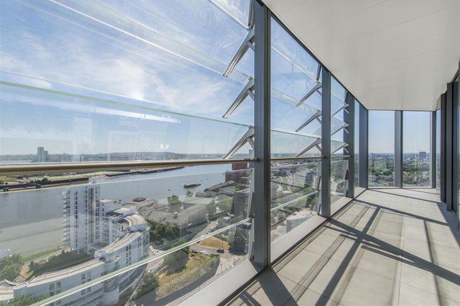 Balcony (3) of 3 Dollar Bay Place, Canary Wharf E14