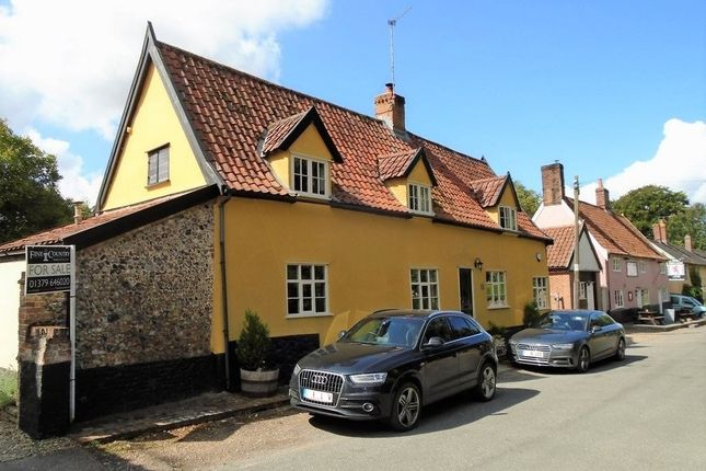 Thumbnail Cottage for sale in East Church Street, Kenninghall, Norwich