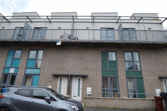 3 bed property to rent in Boston Street, Hulme, Manchester M15