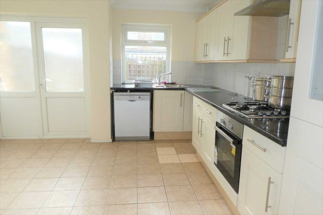 4 bed end terrace house to rent in Barton Crescent, Leamington Spa CV31