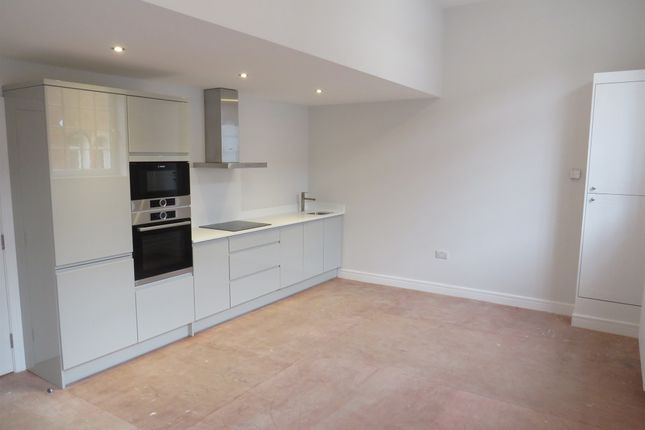 Thumbnail Semi-detached house for sale in Reynoldson Street, Hull
