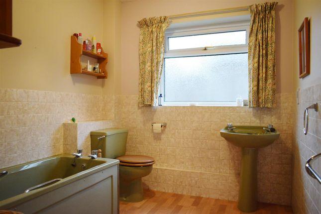 Bath 1A of Falkland Drive, Newbury RG14