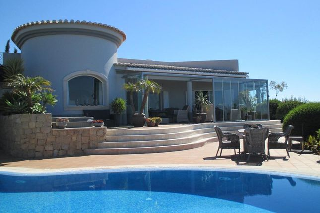Thumbnail Villa for sale in Carvoeiro-Ferragudo, Lagoa E Carvoeiro, Lagoa, Central Algarve, Portugal