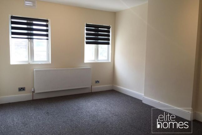 Thumbnail Flat to rent in Burleigh Parade, Burleigh Gardens, Southgate