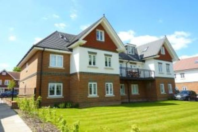 Thumbnail Flat to rent in Magnolia Drive, Banstead