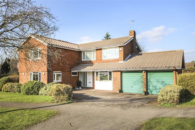 Thumbnail Detached house for sale in The Deerings, Harpenden, Hertfordshire