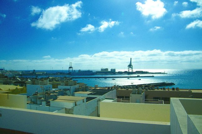 5 bed triplex for sale in Calle Canalejas, 35600 Puerto Del Rosario, Puerto Del Rosario, Fuerteventura, Canary Islands, Spain
