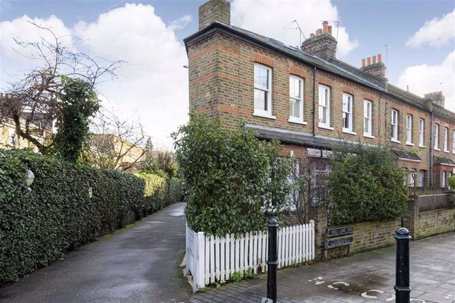 Flat for sale in Quill Lane, Putney
