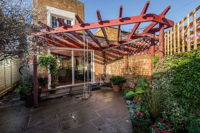 Thumbnail Detached house to rent in Carlton Road, London
