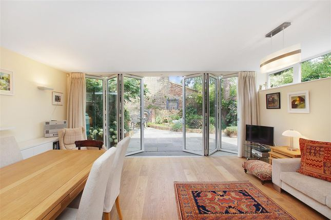 Thumbnail Flat for sale in Yerbury Road, London