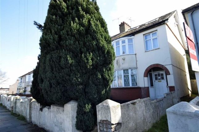 Thumbnail Flat for sale in Prince Avenue, Westcliff On Sea, Essex