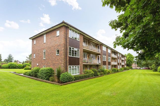2 bed flat for sale in Lancaster Court, Banstead SM7