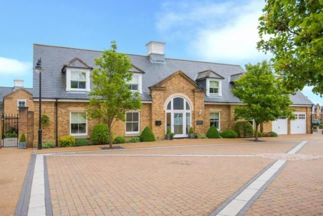 4 bed detached house for sale in Orchid Close, Goffs Oak, Hertfordshire