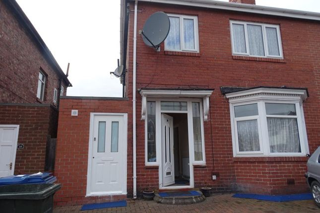 Thumbnail Property to rent in Dunholme Road, Newcastle Upon Tyne