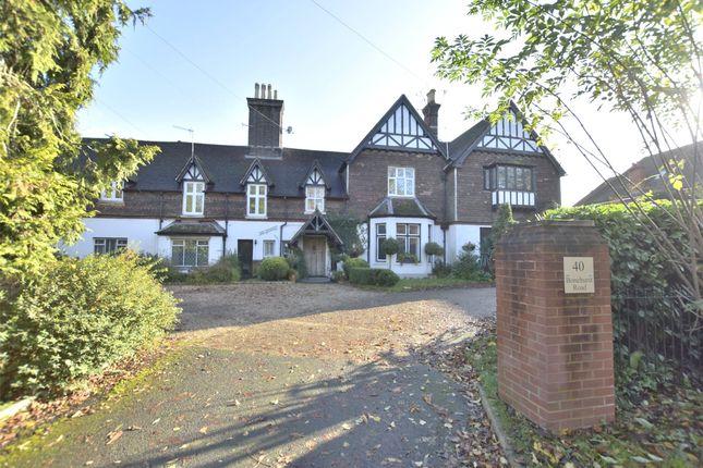 Thumbnail Flat for sale in Bonehurst Road, Horley, Surrey