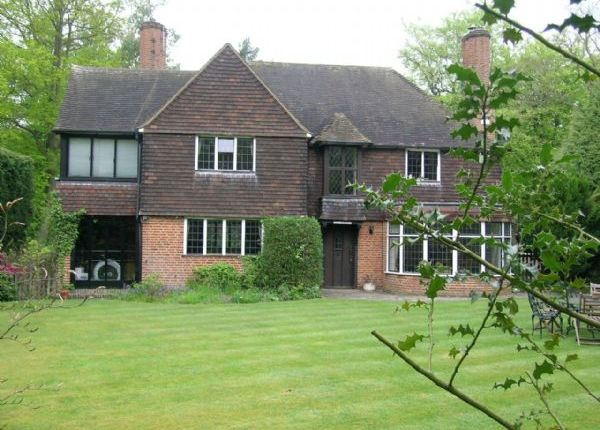 Thumbnail Detached house to rent in Woodside Road, Beaconsfield