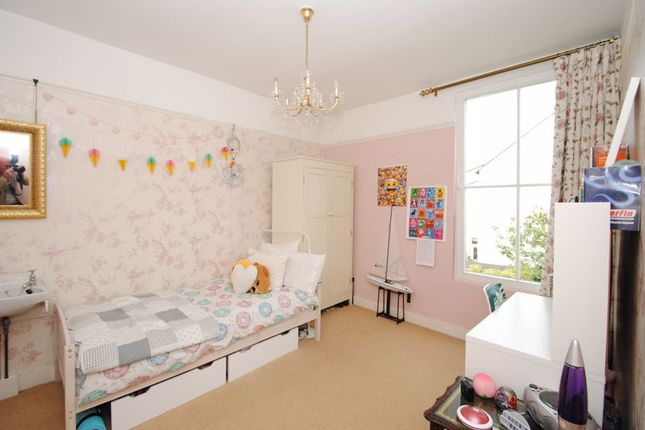 Photo 11 of Grove Court, Southbourne Grove, Westcliff-On-Sea SS0